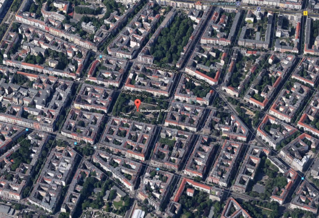 Quelle: https://www.google.de/maps/place/Boxhagener+Platz+%28Berlin%29/@52.511041,13.46097,725m/data=!3m2!1e3!4b1!4m2!3m1!1s0x47a84e5f1766e553:0x27dde62e45b94847